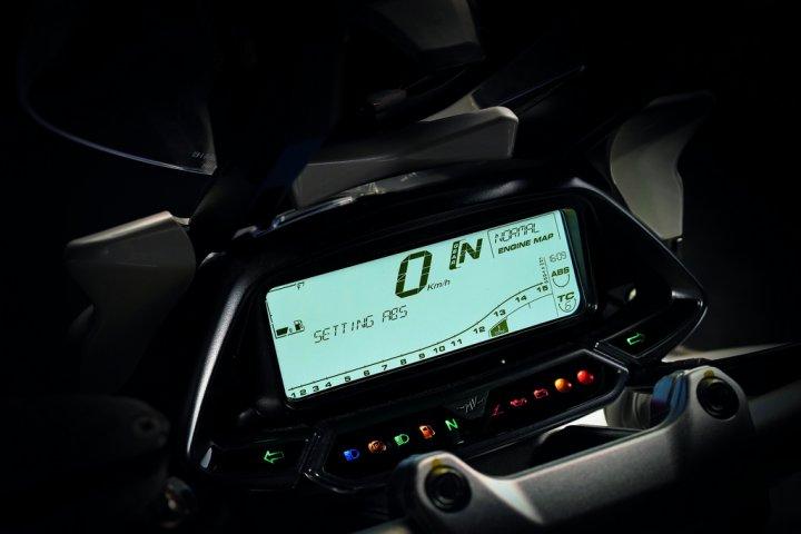 MV-Agusta-Stradale-800-Quadro