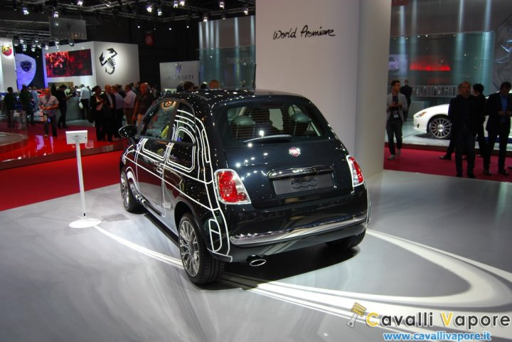 Fiat-500-Ron-Arad-Edition-retro-Laterale-Sinistro