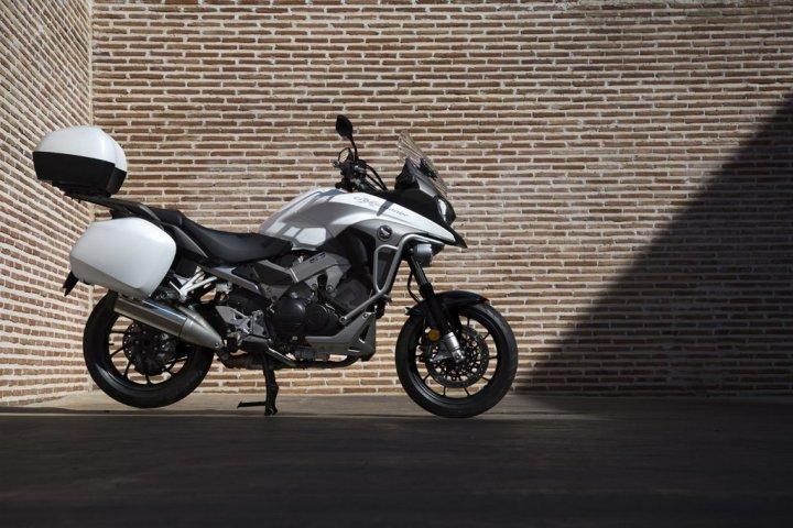 Honda-Crossrunner-2015-800