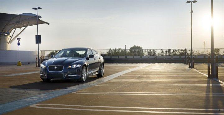 Jaguar-XF-2013