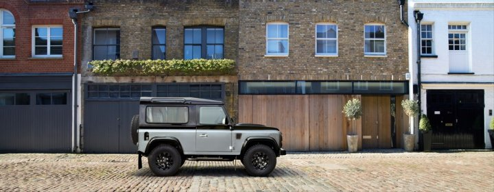 Land-Rover-Defender-Autobiography-Limited-Edition-08