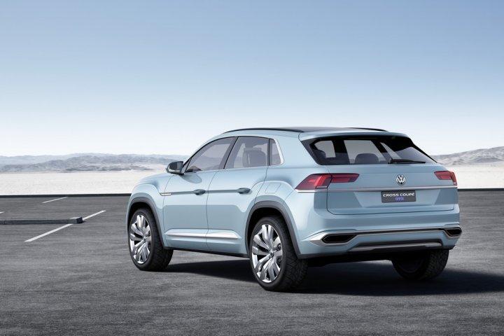 Volkswagen-Cross-Coupe-GTE-Tre-Quarti-Posteriore