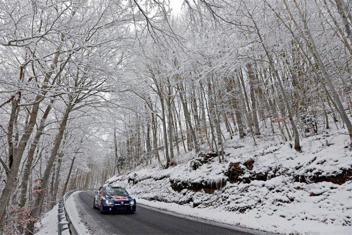 Volkswagen-Polo-R-WRC-Monte-Carlo-2015-3