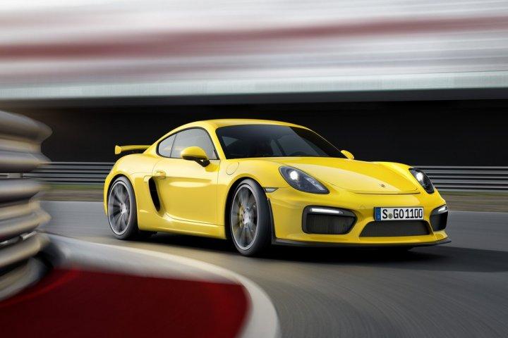 Porsche-Cayman-GT4-8