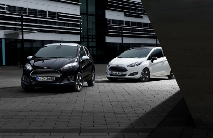 Ford-Fiesta-Black-and-White-Edition-06