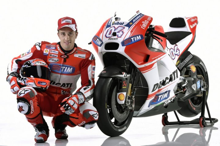 Ducati-MotGP-Team-2015-Dovizioso-10