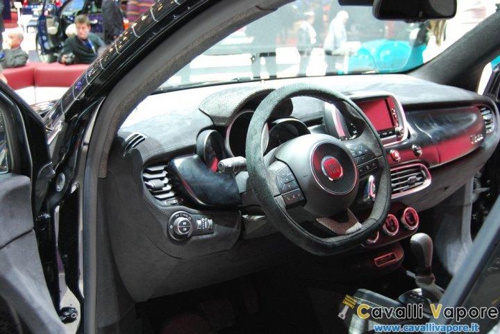 Fiat-500X-Black-Tie-LIVE-Ginevra-Cruscotto
