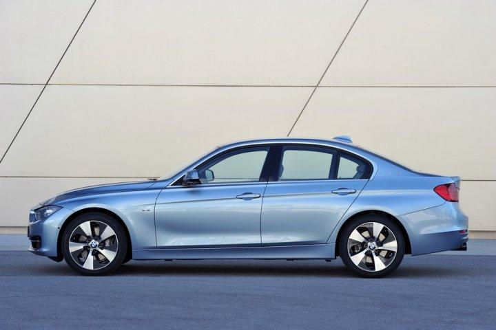 BMW-Serie-3-ActiveHybrid-Lato