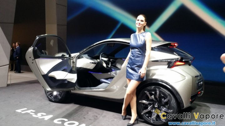 Lexus-LF-SA-Concept-Ginevra-Live-6