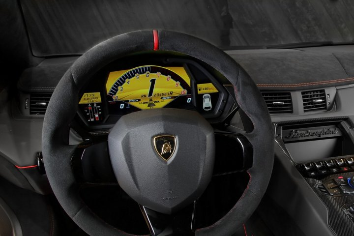 Lamborghini-Aventador-LP-750-4-SuperVeloce-Display-TFT