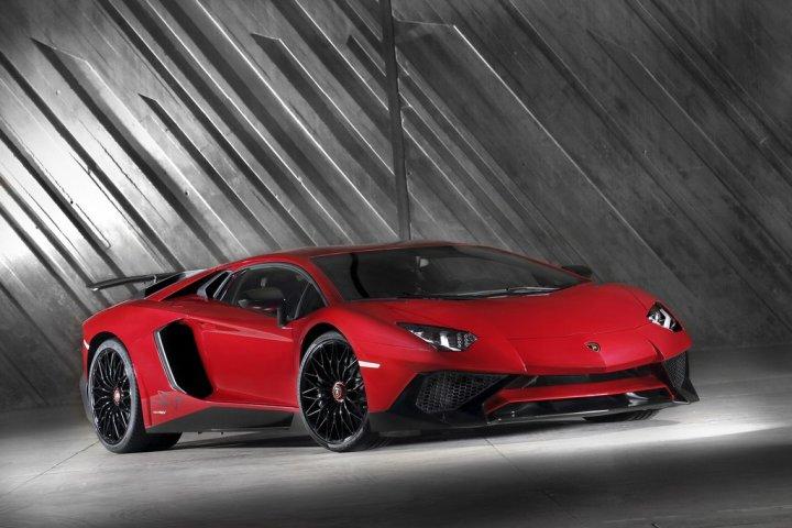 Lamborghini-Aventador-LP-750-4-SuperVeloce