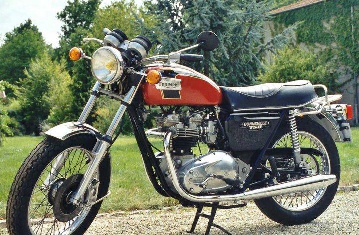 Triumph-Bonneville-T120-1979