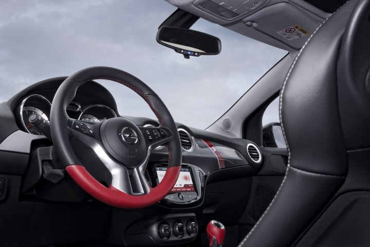 Opel-Adam-Rocks-S-10