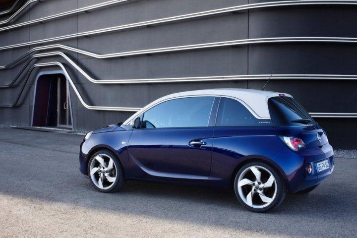 Opel-Adam-Tre-Quarti-Posteriore