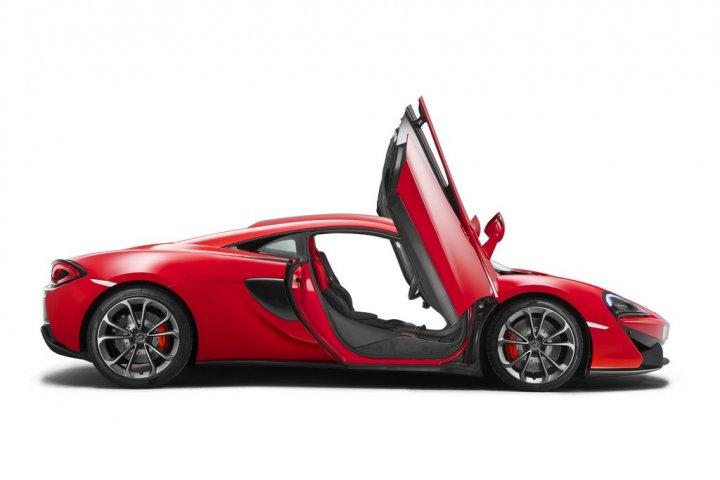 McLaren-540C-Lato-Porte-Aperte