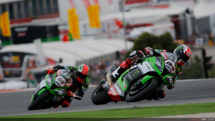 Superbike-2015-Portimao-Gara-1-Jonathan-Rea-Tom-Sykes