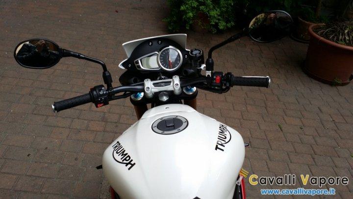 Triumph-Speed-Triple-R-posto-Guida