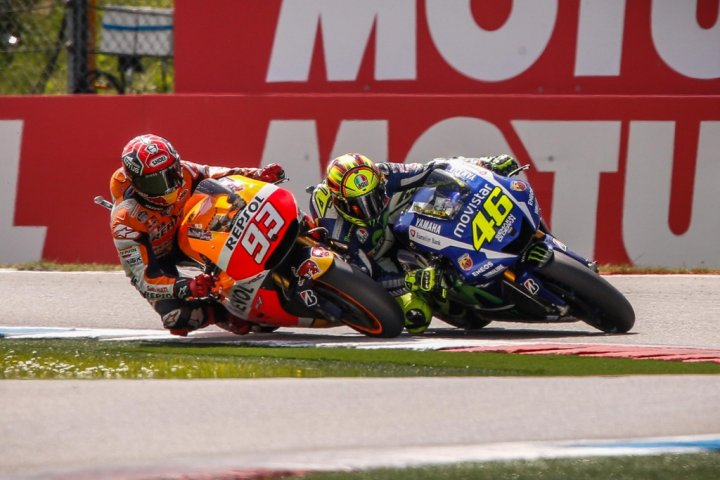MotoGP-2015-Assen-Scontro-Valentino-Rossi-Marc-Marquez