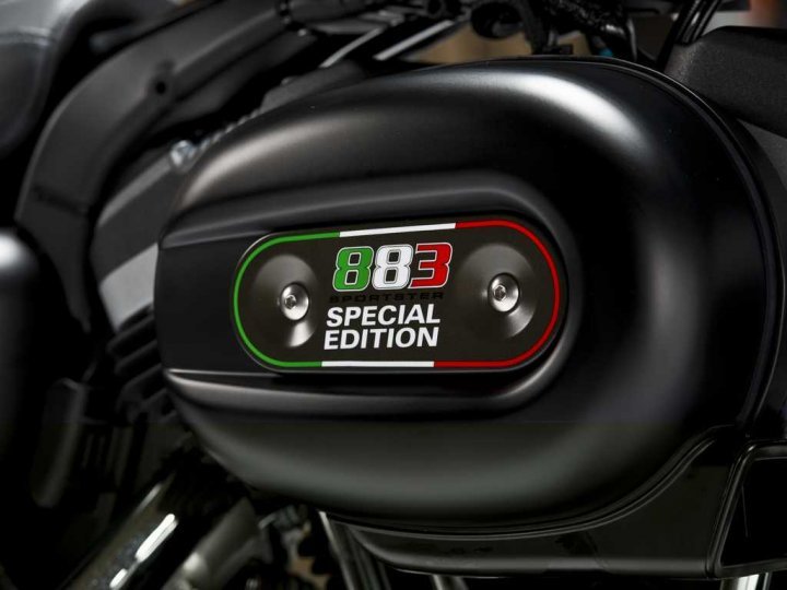 Harley Davidson 883 Sporsters Iron Italia Special Edition Cover