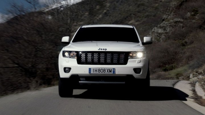 jeep-grand-cherokee-s-limited-spot-muso