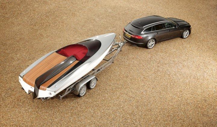 jaguar-speedboat-concept