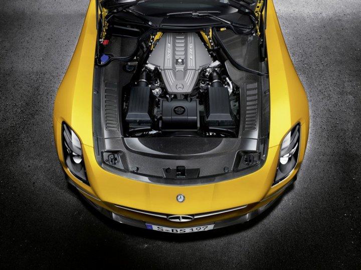 Mercedes-SLS-AMG-Black-Series-Motore