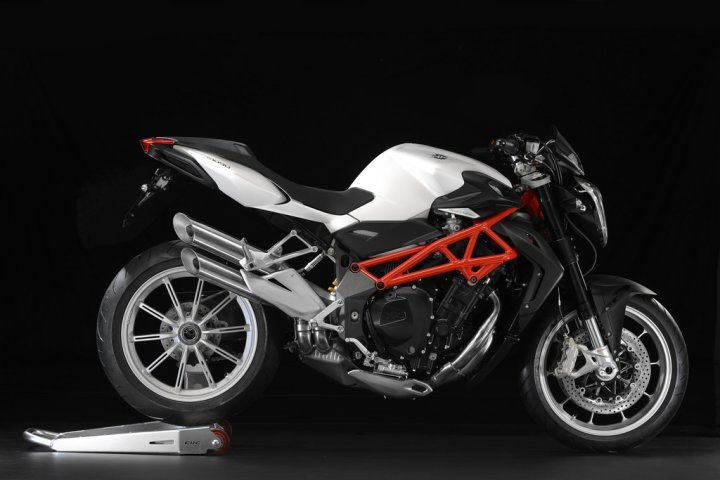 mv-agusta-brutale-my-2013-laterale