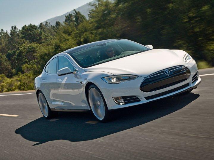 Tesla-Model-S-Tre-Quarti