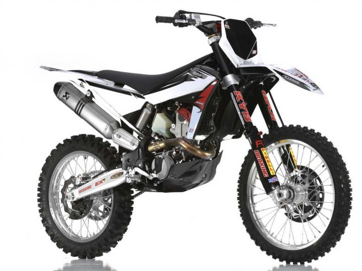 Husqvarna-Racing-Kit-7