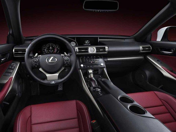 Lexus-IS-nuova-Cruscotto
