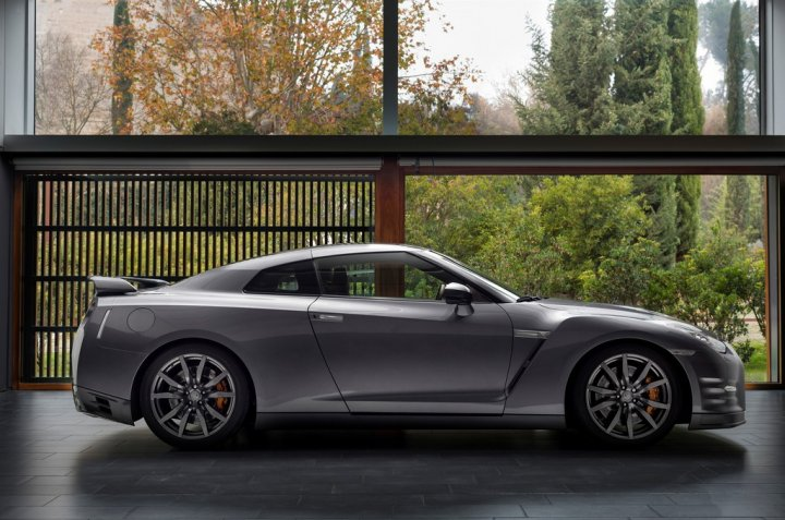 nissan-gt-r-my13-laterale-destro