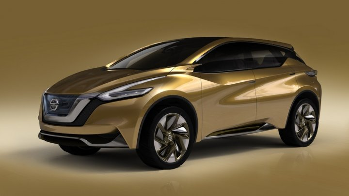 nissan-resonance-tre-quarti-frontale