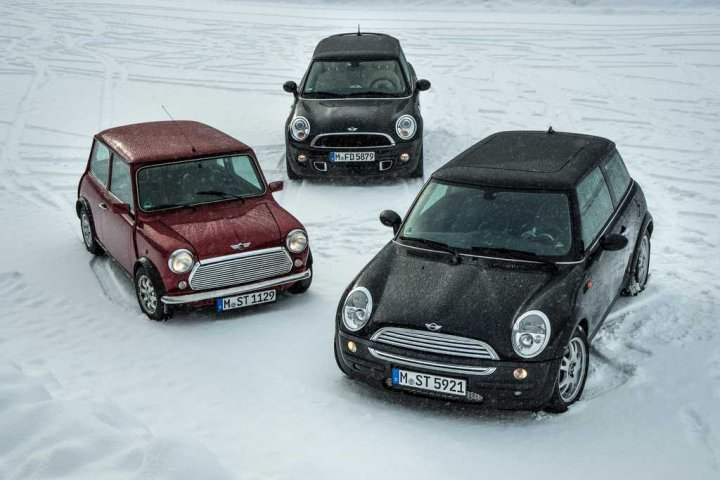 tre-generazioni-di-mini-cooper-alto