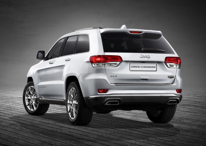 jeep-grand-cherokee-my-2014-tre-quarti-posteriore