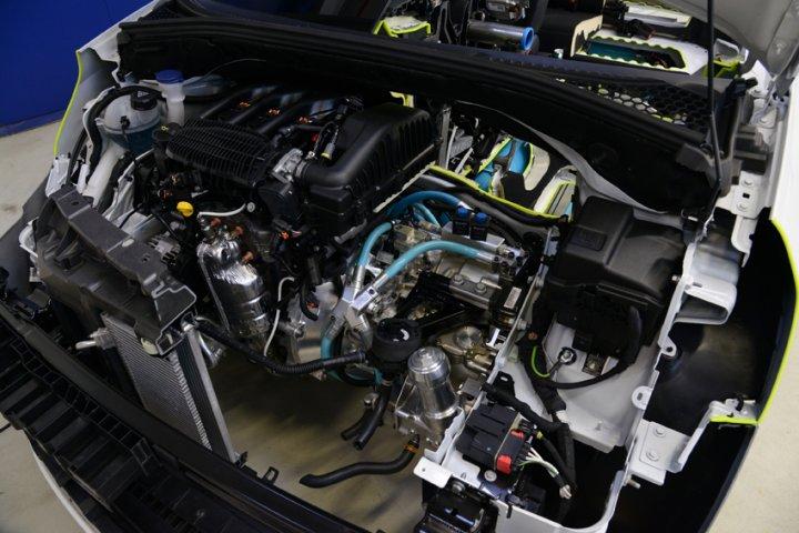 peugeot-2008-hybrid-air-motore