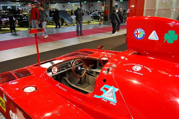 Alfa-Romeo-33-TT-12-Interni