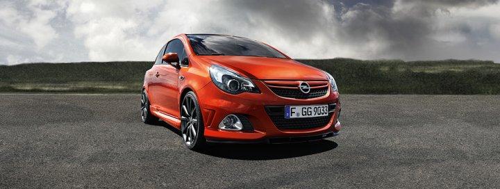 Opel-Corsa-OPC-Nurburgring-Fronte
