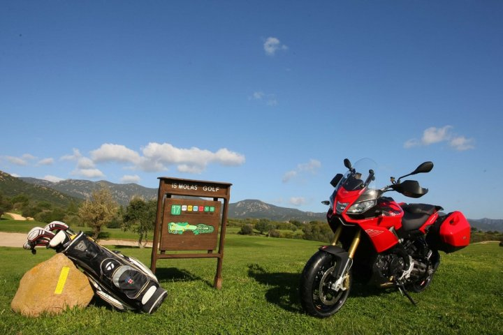 aprilia-caponord-1200-a-is-molas-golf-resort