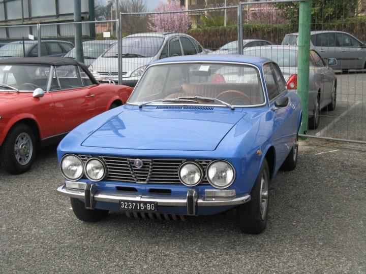 Alfa-Romeo-GT-1300-Junior