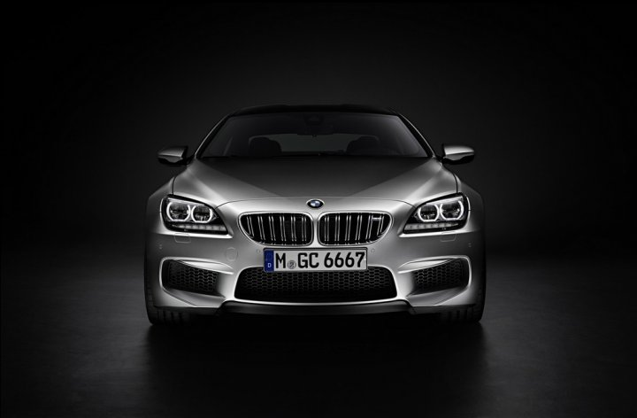 bmw-m6-gran-coupe-fronte-in-studio