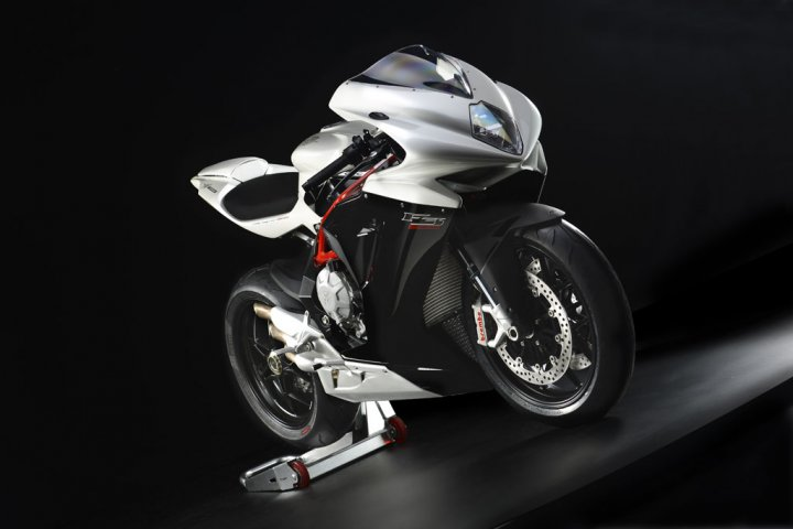 mv-agusta-f3-800-bianca-nera-racing