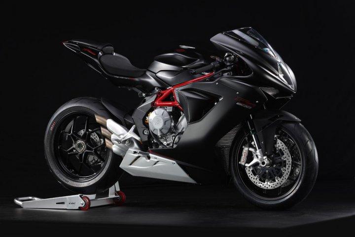 mv-agusta-f3-800-nera-racing-tre-quarti-anteriore