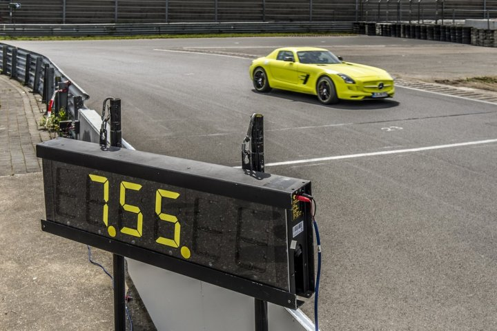 mercedes-benz-sls-amg-coupe-electric-drive-01