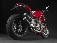 Ducati-Monster-1200-Stripe-Tre-Quarti-Posteriore