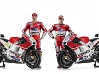 Ducati-MotGP-Team-2015-10