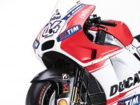 Ducati-MotGP-Team-2015-7