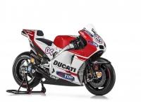 Ducati-MotGP-Team-2015-Dovizioso-1