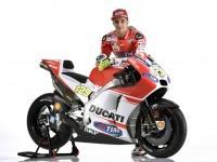 Ducati-MotGP-Team-2015-Iannone-10