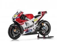 Ducati-MotGP-Team-2015-Iannone-4
