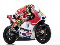 Ducati-MotGP-Team-2015-Iannone-6
